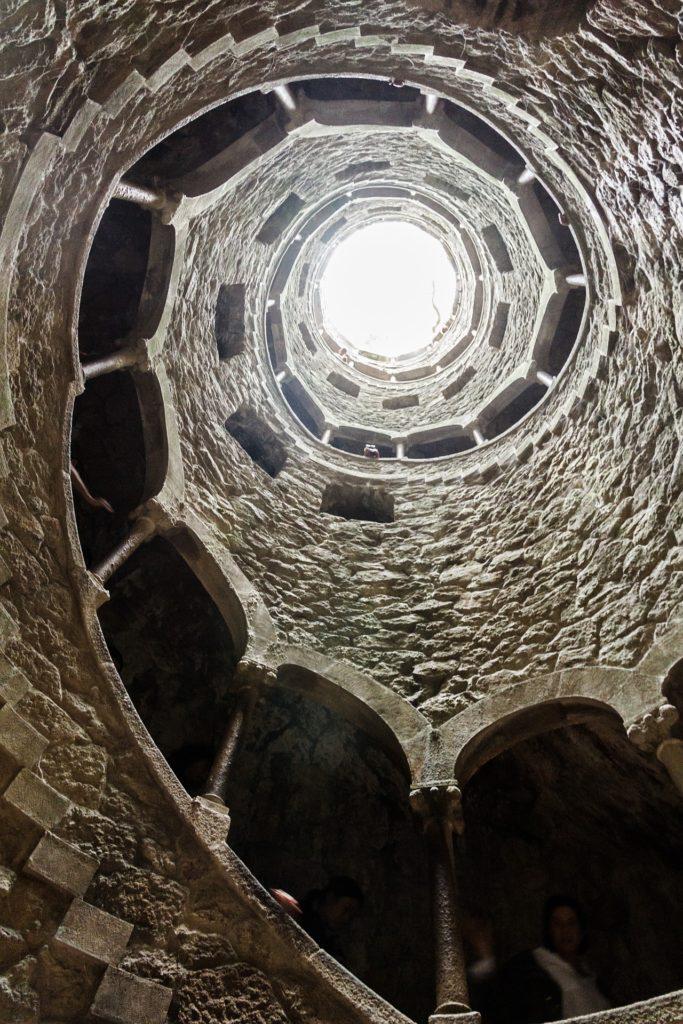 image de la lumière dans un puits